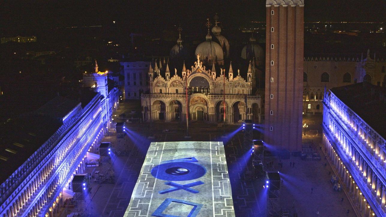 Piazza San Marco a Venezia: Sony presenta la nuova PS5