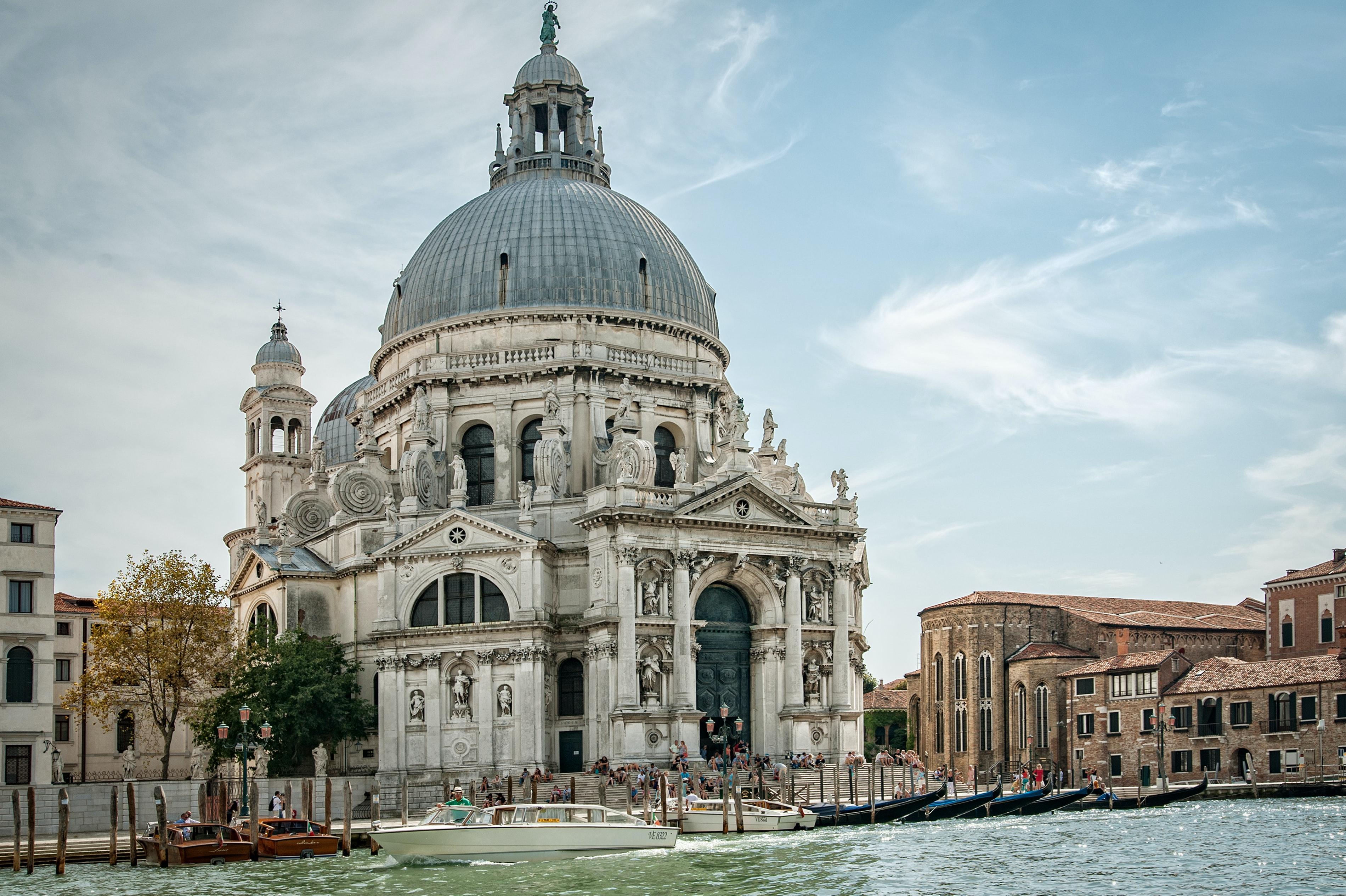 Venice celebrates the anniversary of the Madonna della Salute
