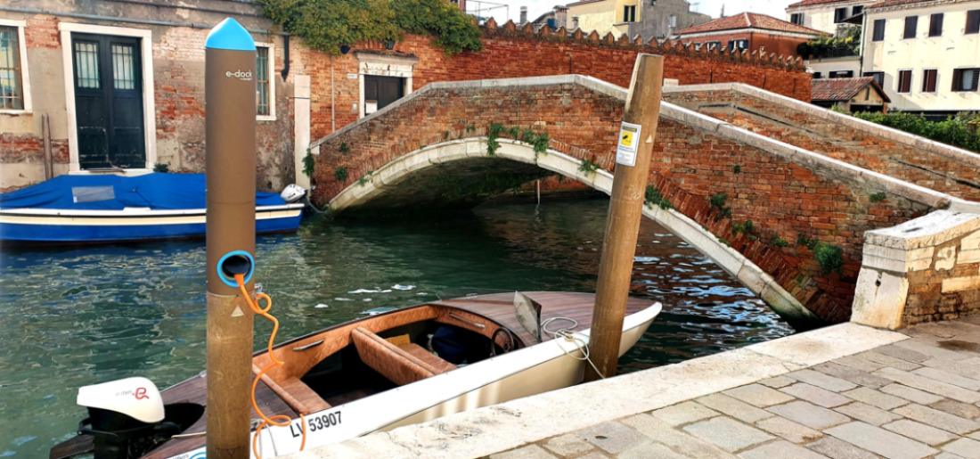 Venice and the recharging bricole for the boat: the new E-dock project