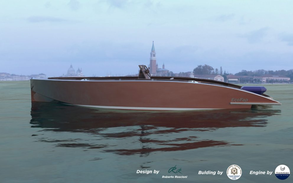 The new ecological boat arrives in Venice